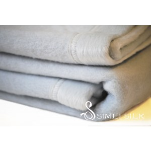 Silk Fleece Blanket light blue