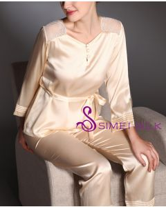 Ladies' silk pajamas , color rose.
